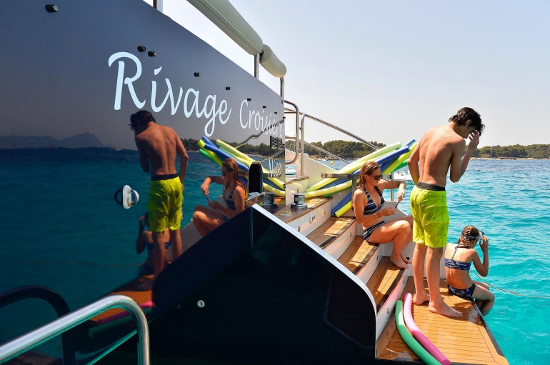 http://www.rivage-croisiere.co.uk/wp-content/uploads/2016/07/rivage-croisiere-photo-14-1.jpg